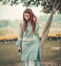 Simple Pakistani Dresses, Pakistani Fashion Casual, Pakistani Dress Design, Pakistani Outfits, Pakistani Couture, Asian Fashion, Women's Fashion, Casual Formal Dresses, Stylish Dresses For Girls