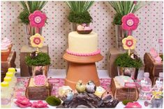 Pink + Yellow Spring Garden Party Who is ready for Spring? This flower garden inspired party will definitely put you in the mood with its. Pink Dessert Tables, Dessert Buffet, Ideas Para Organizar, Yellow Springs, Spring Party, Spring Cake, Easter Party, Childrens Party, Spring Garden