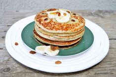 Clătite cu banane - rețeta de pancakes cu banane | Savori Urbane Pancakes, Breakfast, Food, Morning Coffee, Pancake, Meals, Yemek, Eten, Crepes