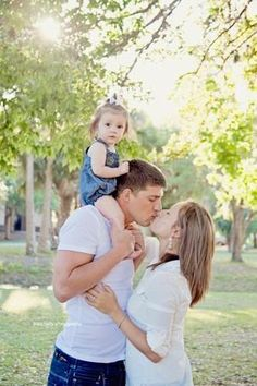Family photoshoot, photo shoot with toddler, photoshoot with kids, Jessa Baby Photography, Posing ideas, Love, Family by wilma