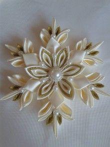 Dekorácie - vianočná vločka kanzashi ,, vanilkové zlato ,, - 7486218_