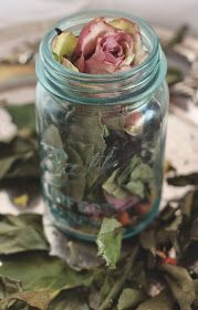 How To Make Potpourri - great way to make use of roses and lavender you have growing in the garden.