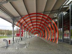 Die sogenannten 'Anamorphic Illusions' des aus der Schweiz kommenden und inzwischen in Paris lebenden Künstlers Felice Varini haben wir hier schon mehrfach präsentiert. Nun sind ein paa…
