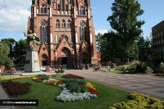 how to put flowers into the church space? flower towers terra group