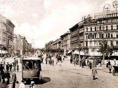 Andrássy út, Oktogon tér dédanyáink idejében Old Pictures, Old Photos, Budapest Hungary, Vintage Photography, Historical Photos, Street View, Times, History, Historical Pictures