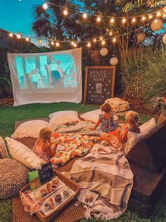 Backyard Movie Party, Backyard Movie Nights, Outdoor Movie Nights, Outdoor Movie Birthday, Backyard Party Lighting, Outdoor Movie Party, Backyard Engagement Parties, Outdoor Dinner Parties, Backyard Birthday