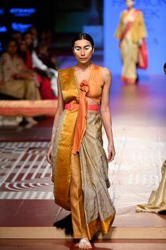 Sunita Shanker at Lakmé Fashion Week winter/festive 2018 Saree Draping Styles, Saree Styles, Drape Sarees, Saree With Pants, Plain Chiffon Saree, Indian Fashion, High Fashion, Saree Trends, Stylish Sarees