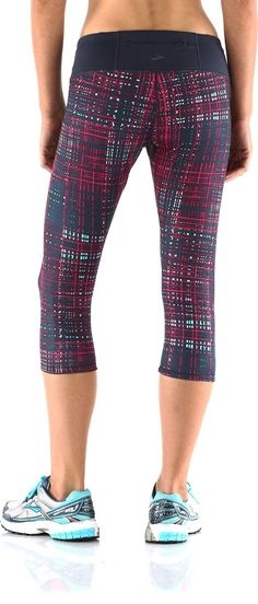 Watch out trails, these pants were made for running! Brooks Infiniti Capri Pants III - Women's.