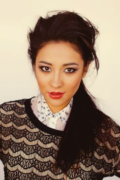 Shay Mitchell / Emily Fields
