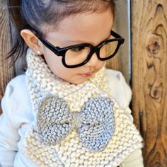 Easy beginners knitting scarf for toddlers. Joni Noel...this would be a great on for the girls to do.