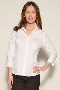 Blouse Santa Barbara 3/4 >> Blouse with 3/4-sleeve, close-fit, waisted cut. This model comes with 6cm-wide cuffs with vents and is sufficiently long, thus ensuring excellent movability and wearing comfort. Excellently processed due to topstitched panel seams and extra durably sewn cross stitch buttons. Optimum wearing- and care properties thanks to skin-cooling pleasant material. The fit and elasticity are perfectly retained even after frequent laundering and dry-cleaning.