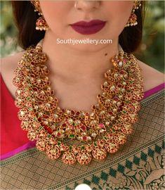 Intricate kundan peacock necklace and bottu mala - Indian Jewellery Designs Jewelry Design Earrings, Gold Jewellery Design, Necklace Designs, Gold Jewelry, Trendy Jewelry, Diamond Jewellery, Clay Jewelry, Peacock Necklace, Emerald Necklace
