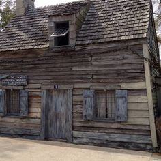 Oldest house in the USA