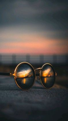 Ideas for creative photography of the day absolutely brilliant .- Absolutely brilliant creative photography ideas of the day photos) -, Perspective Photography, Reflection Photography, Cute Photography, Mobile Photography, Creative Photography, Landscape Photography, Nature Photography, Photography Pricing, Travel Photography