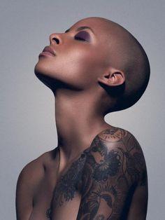18-15n-77-30w:      Stefanie Lambert (Model)Yan Bleney    18° 15' N, 77° 30' W          Long neck, beautiful bone structure, perfectly shaped head, all enhanced by the brilliant lack of hair. XD. Xx