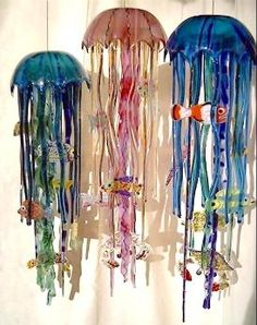 Glass jellyfish wind chimes from Wild About Glass. Slumped Glass, Fused Glass Art, Stained Glass Art, Mosaic Glass, Glass Fusion Ideas, Glass Wind Chimes, Bottle Crafts, Glass Jewelry, Creations