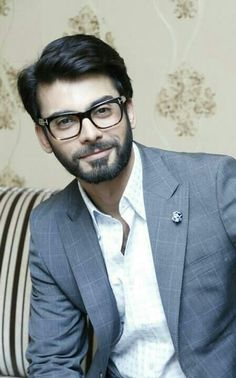 Nerdy Fawad - can you pls lose the glasses and beard now?