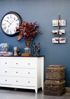 3 sovrum 3 stilar | Simplicity Blue Rooms, Dresser As Nightstand, Dusty Blue, Accent Colors, Decoration, Feng Shui, Ikea, Colours, Living Room