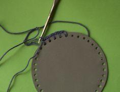 Farkkuutta - askartelublogi: Heijastin virkkauksella 1 Christmas Fair Ideas, Easy Crochet, Sewing Crafts, Projects To Try, Pattern, Gifts, Accessories, Recycling, Trapillo