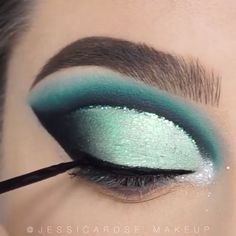 makeup 2020 makeup for blue eyes makeup tutorial for beginners makeup looks 2020 makeup makeup beginners with eye makeup makeup hand Eyebrow Makeup Tips, Makeup Eye Looks, Eye Makeup Steps, Eye Makeup Art, Cut Crease Makeup, Beautiful Eye Makeup, Smokey Eye Makeup, Shark Makeup, Makeup Quiz
