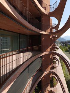 Valerio Olgiati - Schleife residential building