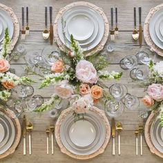 create a bright and light dinner table with white peonies and peach roses, perfect for a summer brunch