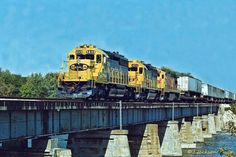 ATSF #5049 (EMD SD40-2) leads a TOFC intermodal train over the Kankakee River in early 1990.  Photo by Jerry Jackson.