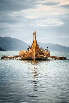 The Myklebust Ship - Sagastad Vikings Art, Norse Vikings, Viking Aesthetic, Viking Longship, Old Sailing Ships, Viking Culture, Cool Boats, Viking Ship, Boat Plans