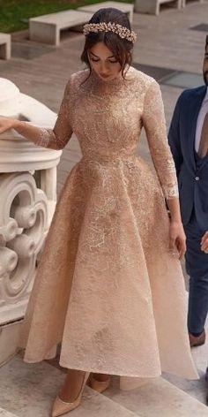 Modest Dresses, Ball Dresses, Elegant Dresses, Pretty Dresses, Vintage Dresses, Beautiful Dresses, Ball Gowns, Bridal Dresses, Dresses For Hijab