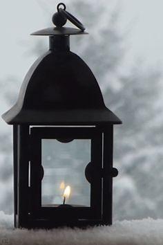 Que cette lumière nous éclaire et réchauffe en 2013 …