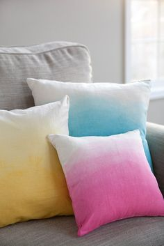 Sew Pillow DIY Ombre Pillows - Forgive the non-food post, but I know I have a lot of crafty readers and I just couldn't resist sharing this with you. I know I've mentioned my desire to learn to sew many times in the past. I'm happy