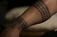 Pili Mo'o does traditional Samoan & Marquesan by hand. Check our website! Pili Mo'o does traditional Samoan & Marquesan by hand. Check our website! Maori Tattoo Frau, Tatau Tattoo, Marquesan Tattoos, Samoan Tattoo, Arm Tattoos, Arm Band Tattoo, Body Art Tattoos, Tribal Tattoos, Tattoo Museum