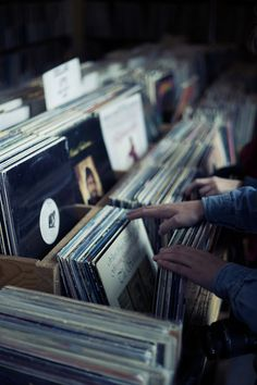 Someday would like to have this. The mark of a true music person has vinyls.