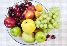 How to Get Rid of Fruit Flies in your Kitchen (+ #Tips from Herbies!) | @Lindsay Nixon