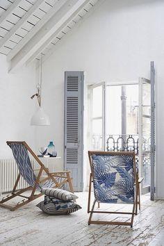 Decoração tropical em tons de azul e branco Beach Cottage Style, Beach House Decor, Home Decor, Lake Cottage, Decor Room, Nursery Decor, Home Living, Living Spaces, Coastal Living