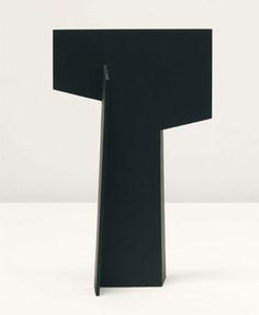 Jorge Oteiza Cruz, 1959 Chapa 23 x 14 x 10,5 cm