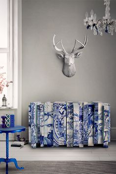 Hand-painted-tiles have gained a privileged place in architecture throughout the centuries. Portugal has adopted them like no other country has and in order to honour the Portuguese hand-painted tiles, Boca do Lobo created Heritage Sideboard.