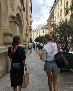 danish girls' style staples: best of copenhagen fashion week 2019 – travel outfit plane Couple Travel, European Summer, Summer Aesthetic, Street Style, Mode Inspiration, Simple Outfits, Fasion, Ideias Fashion, Fashion Ideas