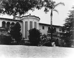 The house where Bugsy was shot - see a 'then and now' photo at http://beverlyhillsconfidential.org/2013/04/09/so-thats-where-it-happened/
