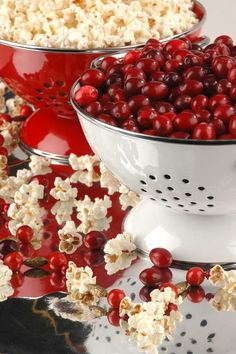 Few things conjure up an image of an old-fashion Christmas like popcorn and cranberry garland.