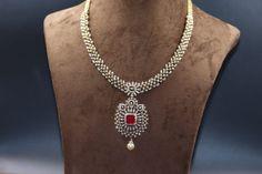 Gold Necklace Simple, Bold Necklace, Gold Jewelry Simple, Diamond Necklaces, Diamond Jewellery, Diamond Pendant, Bracelet Designs, Necklace Designs, Gold Designs