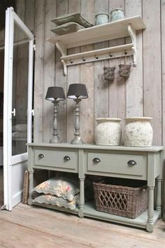 What is shabby chic? You have seen pieces of furniture with old paint showing through, but there is more to it. The style started in England reminding of the decor often found in large stately country houses with old furniture that ha Shabby Chic Kitchen, Shabby Chic Decor, Painted Furniture, Diy Furniture, Shabby Vintage, French Country Decorating, Cottage Chic, Home And Living, Farmhouse Decor