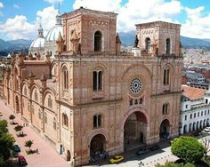 New Cathedral of Cuenca (Cuenca - Ecuador) Cuenca Ecuador, Cuenca Spain, Equador, Castle House, Most Beautiful Cities, Quito, Travel Deals, Kirchen, Temples