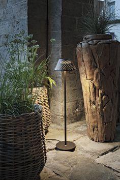 Outdoor Flooring, Bedside Lamp, Exterior Lighting, Downlights, Floor Lamp, Beams, Diffuser, Applique, Mesh