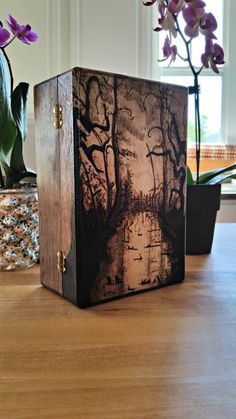 Wood- Burned Magic the Gathering Deck Box- Mono-color Swamp Example - Wood Projects Wood Burning Crafts, Wood Burning Patterns, Wood Burning Art, Wood Crafts, Deck Box, Magic The Gathering, Wood Art, Wood Wood, Painted Wood