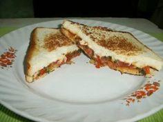 Indian Style Grilled Cheese Sandwich with Tomato Chutney - Yummy Tummy Sandwich Chutney Recipe, Grill Cheese Sandwich Recipes, Cheese Ball Recipes, Chutney Recipes, Easy Cake Recipes, Tea Recipes, Curry Recipes, Apple Recipes, Carrot Halwa Recipe