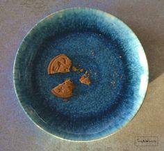 Gluteenittomat ja maidottomat inkiväärikeksit | Plates, Tableware, Licence Plates, Dishes, Dinnerware, Griddles, Tablewares, Dish, Place Settings