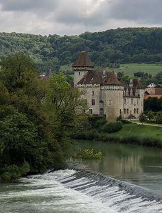 Château (XIVe & XIXe s.) de Cléron au bord de la Loue (Doubs, France)