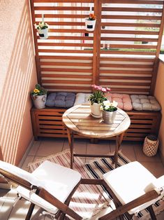 71 apartment style balcony decorating ideas for your home 36 Small Balcony Design, Small Balcony Garden, Small Balcony Decor, Balcony Ideas, Small Balconies, Patio Ideas, Condo Balcony, Apartment Balcony Decorating, Apartment Balconies