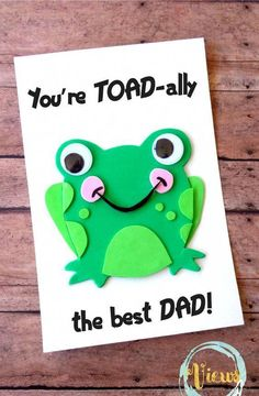This toad-inspired handmade Fathers Day card is perfect for kids to make for the dad in their lives. They will love crafting and giving this one! diy fathers day, grandpa gift for fathers day, diy kids fathers day gifts Crafts For Kids To Make, Crafts For Teens, Gifts For Kids, Diy Father's Day Gifts Easy, Father's Day Diy, Fathers Day Art, Fathers Day Gifts, Grandparent Gifts, Fathers Day Cards Handmade